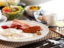 朝食も目の前で調理
