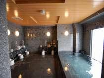 最上階の人工温泉大浴場で、1日の疲れをとってごゆっくりお寛ぎ下さいませ♪【15:00~2:00/5:00~10:00】