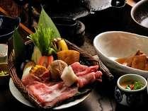【健康志向グルメプラン!】牛より豚派!ヘルシー豚肉を1人200g付♪温泉三昧で美容&健康!
