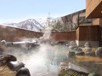 山々を望みながら入る解放感たっぷりの露天風呂は最高!もちろん源泉かけ流し。
