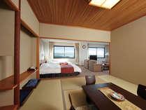【スイートルーム】和室部分は8畳です♪洋間と仕切れる仕様でございます☆3世代でのご宿泊にもおすすめ!