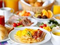 【朝食】洋食派の方はパンやウィンナー、スクランブルエッグなどもございます!(写真はイメージです)
