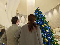 【ロビー】クリスマスにはホテルで素敵な思い出になるひとときをお過ごしください♪(写真はイメージです)