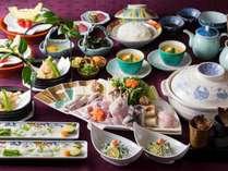 【ふぐ鍋会席イメージ】先附から〆の雑炊までふぐ尽くし!冬限定で余すところなく楽しめるお料理です。