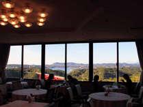 【朝食会場】的矢湾の美しい景色を眺めながらご朝食を♪(お日にちによって会場が異なる場合がございます)