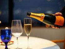 【レストラン】フレンチコースとともにワインもお楽しみいただけます(写真はイメージです)