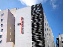 【外観】2012年12月21日開業。博多駅スグ、福岡空港・天神は地下鉄で約5分。
