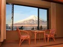 当ホテル自慢の富士山の景色っ! 各お部屋からどうぞ♪