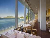 朝日に照らされ、キラキラとした海を眺めながらゆっくりとした朝食Time♪