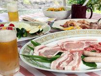 【BBQ】別注でアルコールもご用意できます!美味しい空気の中でお肉とお酒を楽しんで♪