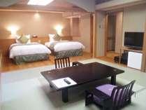 花見亭 和洋室本間8畳和室+ツインベットルーム+広縁(近縁)