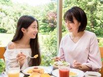 *【レストランセントロ(一例)】楽しい朝食で、親子の距離が縮まります