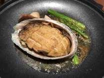 【鮑のバター焼き】伊豆に来たからにはぜひ食べたい!肉厚アワビをバター焼きで。