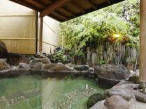 *殿方野天風呂。季節の風を感じながら、ゆとりのリラックスタイムを♪