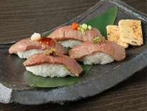 【新潟の味覚満喫】贅沢に地元食材を味わう『新潟和牛炙り寿司』◆貸切露天風呂無料!
