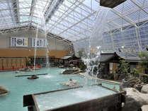 多数の源泉を持ち、豊富な湯量を誇る、圧巻の掛け流し式天然温泉※19:30~22:00は女性専用時間