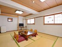 【和室12畳】ゆったりとした客室は、グループ・ファミリーでの宿泊にぴったり