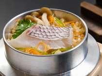 瀬戸内鯛を使用した釜飯