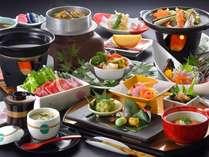 夕食は個室の会食場でゆっくりとお召し上がりください。