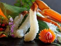 活けガニの証し華がさいたお刺身です。活けガニならではの味をご賞味下さい。