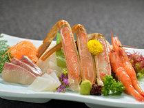 四大味覚プランは、蟹刺し+地魚のお造り付き