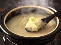 """★お宿自慢の""""驚きのふわふわ豆腐鍋""""。""""食べる温泉""""と言われ、お口の中でとろける食感がたまらない♪"""