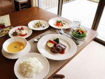 *【夕食一例】季節によって内容が異なりますので季節ごとにお楽しみいただけます