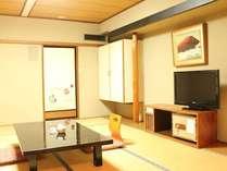 本館和室♪静けさと温かさが漂うお部屋です。