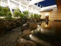 【14階大浴場(TEN)】空をながめる露天風呂