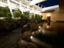 【14階大浴場】夜空をながめる露天風呂