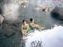 渓谷を望む絶景の露天風呂