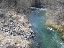 片品川です(岩魚、ヤマメ、カジカなどが生息しています)