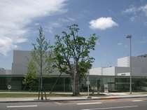 兼六園、21世紀美術館など人気観光スポットまで徒歩圏内。金沢観光に最適です。(写真は21世紀美術館)