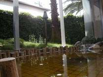 椰子の木陰露天風呂