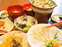 【ふぐコース料理(一例)】冬の味覚。地元産輪島ふぐをご堪能ください。