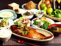 ◆伊豆の漁港や漁師から直送!季節の獲れたての地魚が楽しめます!女将自慢の手作りの料理