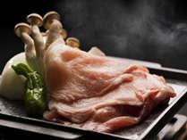 香川の銘柄肉を組み合わせたお肉がメインの会席です