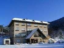 上信越道信州中野ICより車で20分 玄関前無料駐車場完備 よませ温泉スキー場ゲレンデまで30m