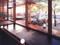 ◆2F もみじ湯・内湯/中2階にある、静かで小粋な庭園大浴場
