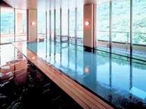 ◆12F 風月・内湯/最上階に完備した大浴場からの絶景を、パノラマでお楽しみ下さい