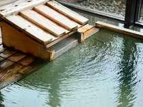 【12F 風月/湯口】本館鹿の湯真下から湧き出る源泉をはじめ、3本の源泉をブレンド