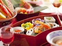 【前菜/献立例】宝石を散りばめた様な、美しい小鉢やグラスの数々