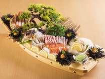 【夕食/追加料理】北海道の贅沢!ご会食に花を添える、魚介の舟盛り