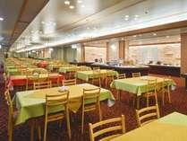【3F 食事処/楓】昼夜で趣が異なる、温泉街を眺めながらの夕朝食会場