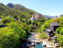 【定山渓】札幌中心部から車で約50分。国立公園に指定される豊かな自然の杜