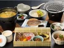 【朝食】一日の元気の源は朝ごはんから♪福井県産コシヒカリのご飯はお替り自由です!