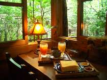館内に沢山ございますくつろぎのスペース☆朝食後には無料の珈琲・紅茶でホッと一息♪