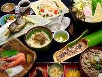 信州ならではの地物、旬の食材を生かした和食中心の夕膳
