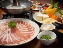 当館人気「アルプスポークのしゃぶしゃぶ」。信州ならではの地物、旬の食材と共にご堪能下さい。※イメージ