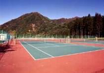 テニスコート 全天候7面  クレー  5面